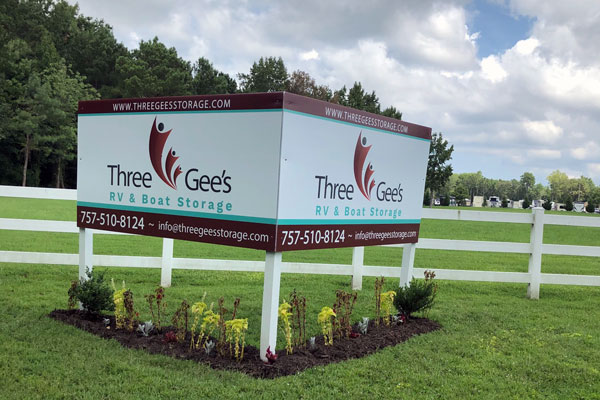 Three Gee's Front Sign